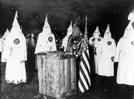 [세계사 속 오늘] 백인 우월 단체 'KKK단', 손발 묶여