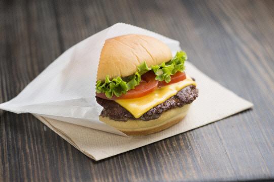[창업현장에선] 햄버거 하나도 고급스럽게...'파인캐주얼' 열풍