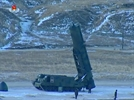 [권홍우의 군사·무기 이야기] 北 '북극성2 발사대' 왜 궤도형 택했나