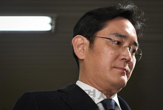 [썸in이슈] '3대,79년' 삼성, 초유의 총수 '구속 사태'를 맞이하다