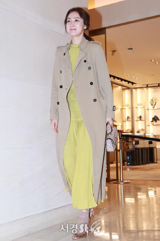 최지우, 슬림몸매 돋보이는 패션!