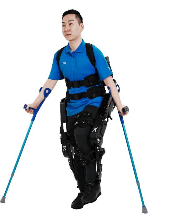 [미리 보는 KIMES 2017]하지 마비, 로봇 입고 걷고...3D 프린팅으로 수술실수 '뚝'