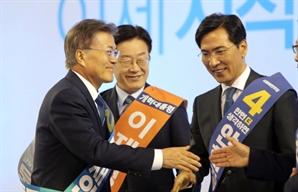 """'목소리도 바꾼' 안철수 순위 역전…""""문재인 35.2%, 안철수 17.4%, 안희정 12.5%"""""""