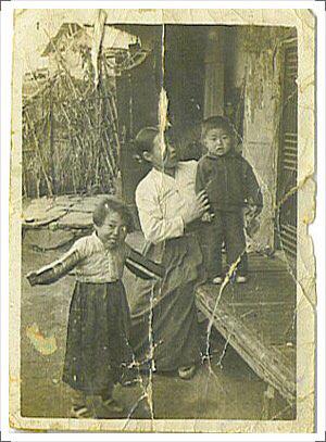 [대선주자, 내 인생의 별이 된 물건-홍준표편]마르지 않는 힘의 원천, 낡고 낡은 '엄마 사진'
