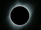 태양을 삼킨 달…99년만에 찾아온 '세기의 우주쇼'