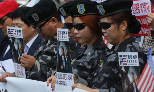 '미군 철수' VS '핵무장'...사드로 갈라진 시민사회