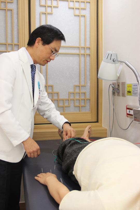 경희대 중풍센터, 침·한약으로 뇌경색 후유증 최소화…연 3만명 진료