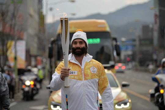 바리스타 폴 바셋, 평창 동계올림픽 성화봉송 주자로 참여