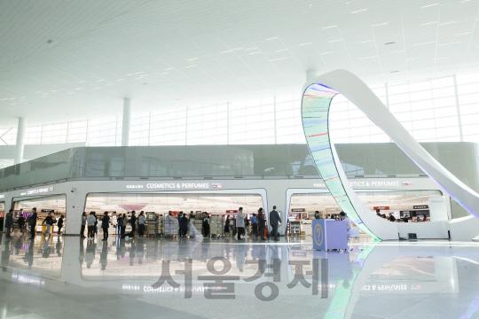 """신라면세점 18일 인천제2터미널 개장 """"아시아 3대 공항 화장품·향수매장 완성"""""""
