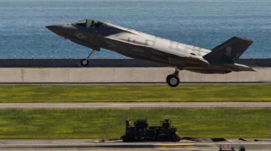 스텔스전투기 운용 美강습상륙함, 日 도착…'北·중 견제'