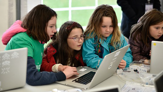 [이젠 미래를 이야기하자] 미래교육 롤모델 영국- 교육에 AI·빅데이터 융합...'에듀테크'로 미래 인재 키운다