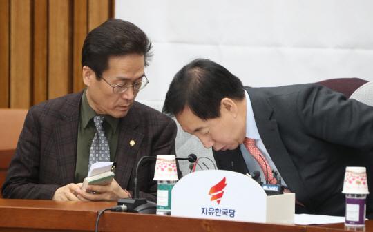 함진규 '與, 자유민주주의 가치 깃털만큼 가볍게 생각'