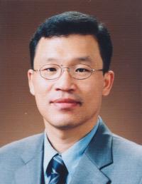 한국지방행정연구원장 윤태범 교수