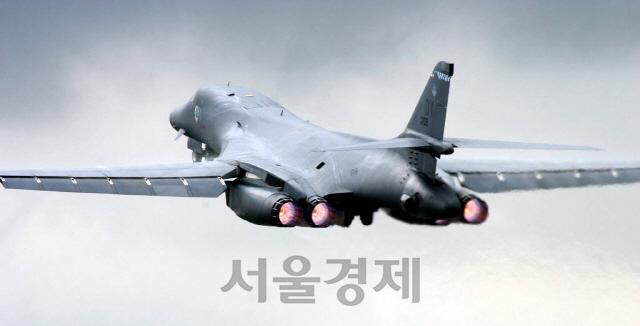 B-52 폭격기, 성능개량으로 100년 넘기나