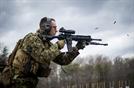 [권홍우기자의 무기 이야기] 美해병 자동화기급 M27 무장...러도 30년만에 AK-12·A-545로 교체