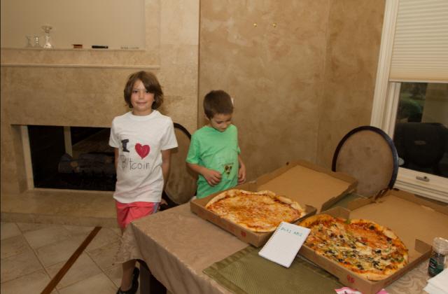 '비트코인 첫 피자 구매' 핸예츠, 라이트닝 네트워크로 또다시 피자 구매
