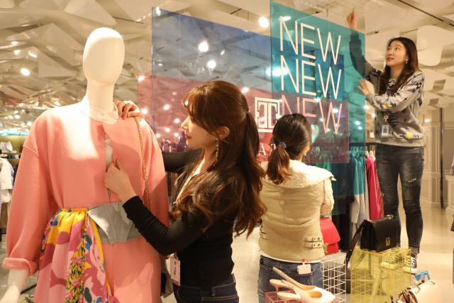 '인플루언서 모셔라'…편집매장 늘리고 경쟁 나선 백화점