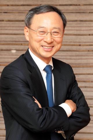 통신사 CEO 연봉 1위는? 황창규 KT회장