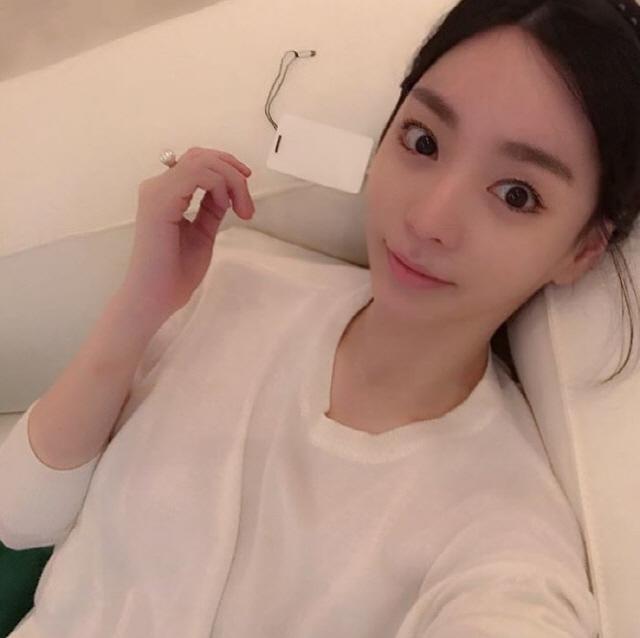 [SE★이슈] 황하나, 박유천과 결별 부인→SNS 댓글 차단