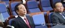 자유한국당 의총서 '비박·친박' 정면충돌, 김성태 사퇴 요구 나와