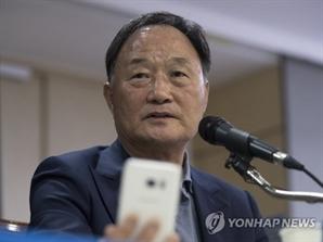 """""""변함없는 지지 부탁"""" 벼랑 끝 몰린 신태용호...김호곤 '히딩크 파문' 재논란"""
