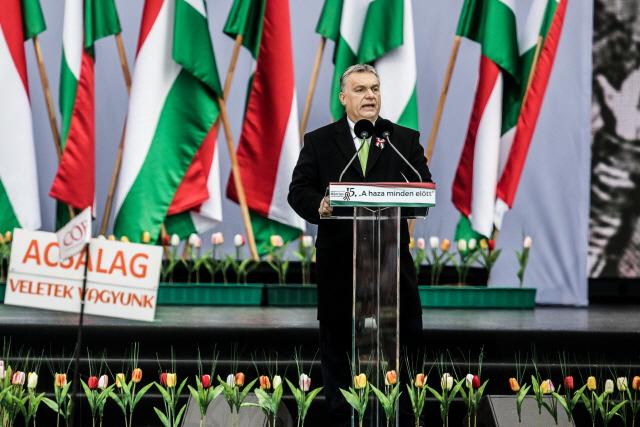'反난민정책 선봉' 헝가리에 유럽의회, 표결권 박탈 추진