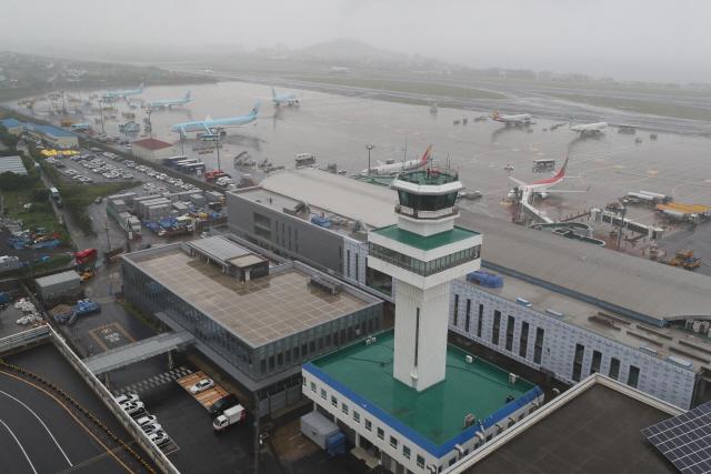제주공항 여객 중국·일본 국제선 2배 증가…국내선은 2.2%↓