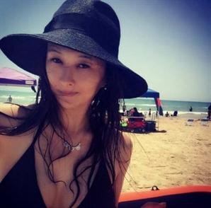 하원미, 추신수 경기력 높이는 '해변가 비키니 자태'