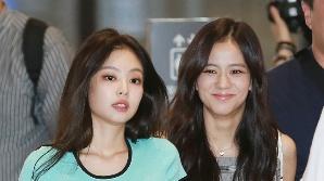 블랙핑크(BLACKPINK) 제니-지수, '도도한애 옆에 해맑은애' (공항패션)