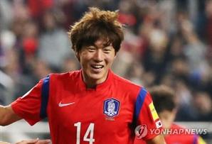 '한국-바레인' 황의조, '인맥 축구 논란' 한풀이…전반에만 세 골 몰아쳐
