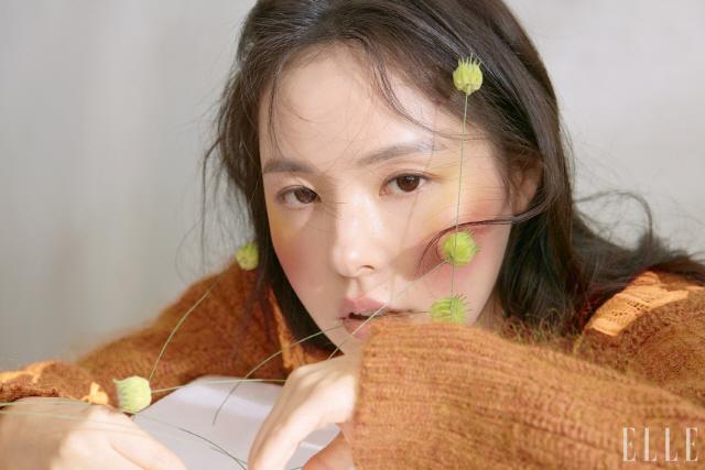 """태양의 그녀 민효린 """"행복한 여자가 되고 싶다"""" [화보]"""