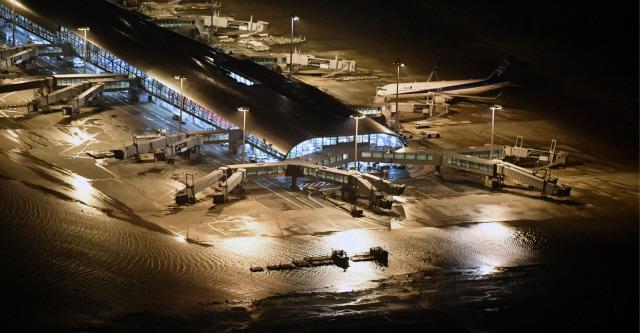 오사카 영사관 '한국인 50여명 日공항에 고립…인명피해는 신고 없어'