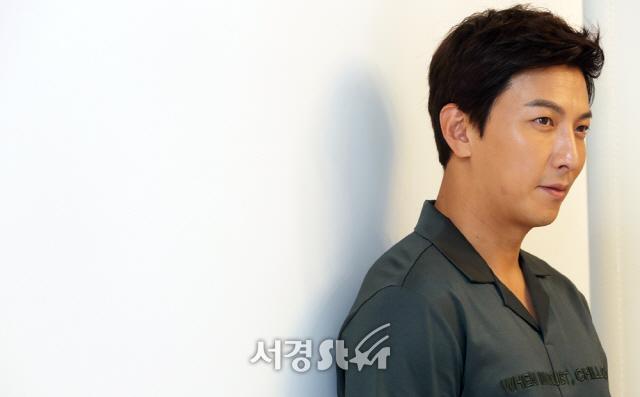 "[SE★인터뷰] '바넘' 박건형, ""믿느냐 마느냐의 싸움..이왕이면 웃는 일이 많길"""