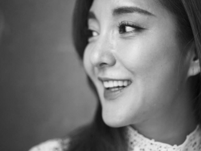"""가수 바다, 희귀난치병 아동 돕기 '쉘 위 워크' 동참 ..""""감동의 기적 일어나기를"""""""