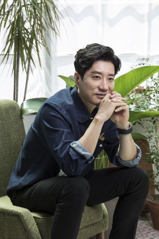 "[SE★인터뷰] '물괴' 김명민, ""한국산 토종 크리처 무비 기대해 주세요"""