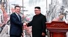 """남북정상 """"핵 위협없는 평화의 한반도…군사적 적대관계 종식"""""""