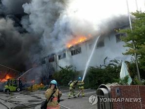 시흥 플라스틱 공장 화재, 숨진 중국인이 방화…CCTV 영상 봤더니