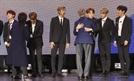 '한불 우정콘서트'에 BTS 떴다…文대통령, RM 포옹하며 격려