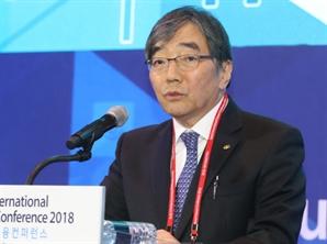 """금감원장 """"금융회사 대출·투자시 지속가능성 평가해야"""""""