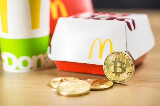 """맥도날드·네슬레·버진미디어 """"블록체인으로 투명한 디지털 광고 시장 만든다"""""""