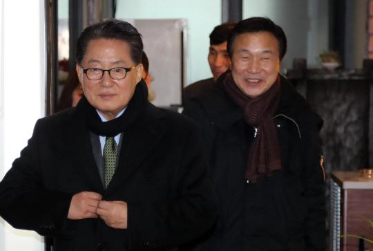 개헌으로 문재인 협공