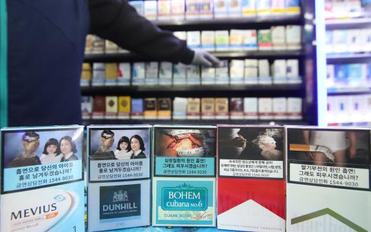 섬뜩한 경고그림 담배 본격 유통...꼼수도 늘어