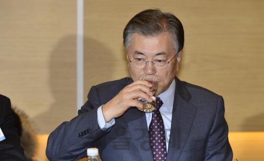 사드배치 명확한 입장 안내는 文… 반 전 총장 '오락가락…국민들이 불안'