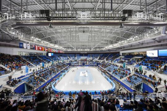 [건축과도시 -강릉 아이스아레나] 피겨 퀸의 점프·순백의 설산 담아낸 '평창올림픽의 아이콘'