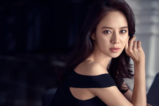 송지효, 우아함과 만난 섹시 [화보]