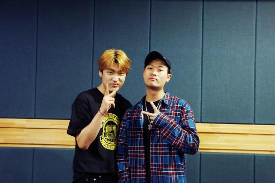 '쇼미5' 샵건(#GUN)두 번째 싱글 'Sunflower Dance'공개 앞두고 키비와 녹음실 현장공개