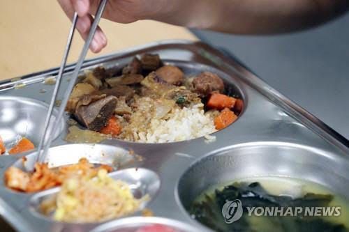 서울·경기 학교급식업체 82% 납품권 전매·담합 등으로 제재