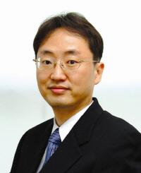 서울대 홍용택 교수팀, 웨어러블 기기용 광 트랜지스터 어레이 개발