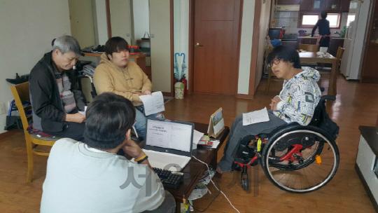 [중증장애인 자립 돕는 서울시] 'IL지원센터 도움받아 좁은 취업문 뚫었어요'