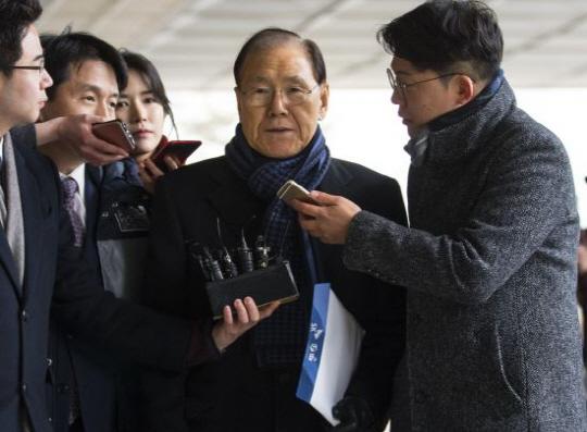 'MB 집사' 김백준, 11시간 강도 높은 검찰 조사 후 귀가 ... '혐의 부인'